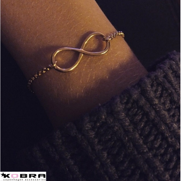 Infinity - forgyldt armbånd i 14 karat rose guld med uendelighedstegnet