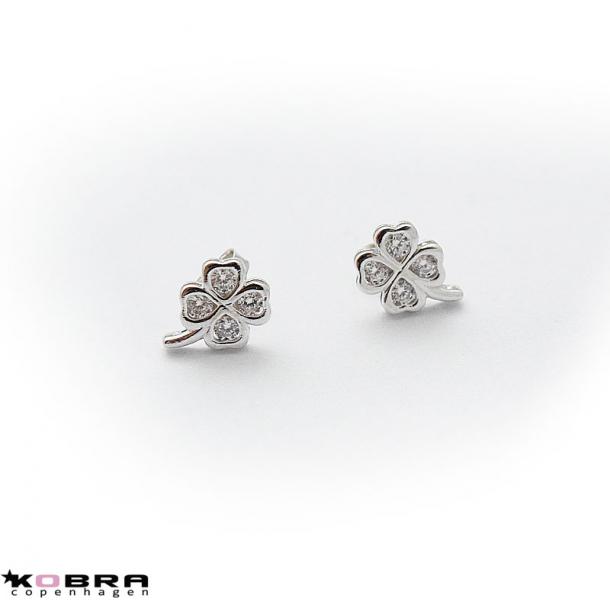 Små firkløver sølv øreringe med hvide sten