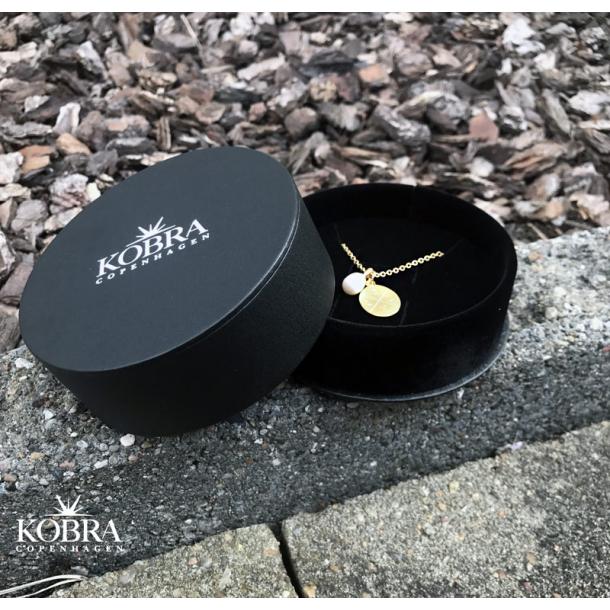 Eksklusiv smykkeæske i sort faux læder
