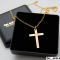 Klassisk kors i guld med personlig gravering
