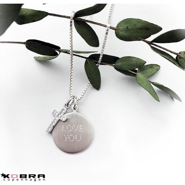 Id tag med lille kors i sterling sølv - inkl. gravering!