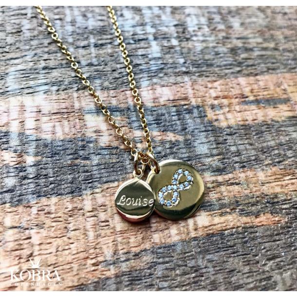 Infinity halskæde i guld med lille tag inklusiv din gravering