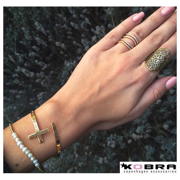 Håndlavet kors armbånd i sølv inklusiv din gravering