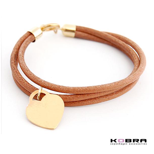3i1 brunt læderarmbånd med guldhjerte, med personlig gravering