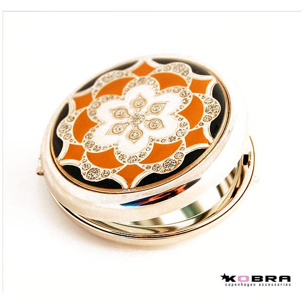 Kosmetikspejl - lommespejl i sølvfarve med brunligt mønster, inklusiv gravering på bagsiden