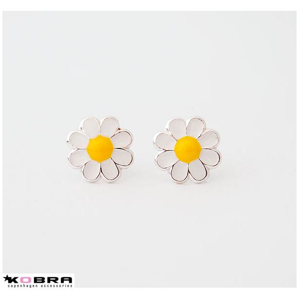 Daisy, Marguerit øreringe i sterling sølv med gul og hvid emalje
