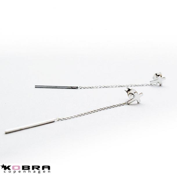 Øreringe / ørehængere i sølv med små kors og lang kæde