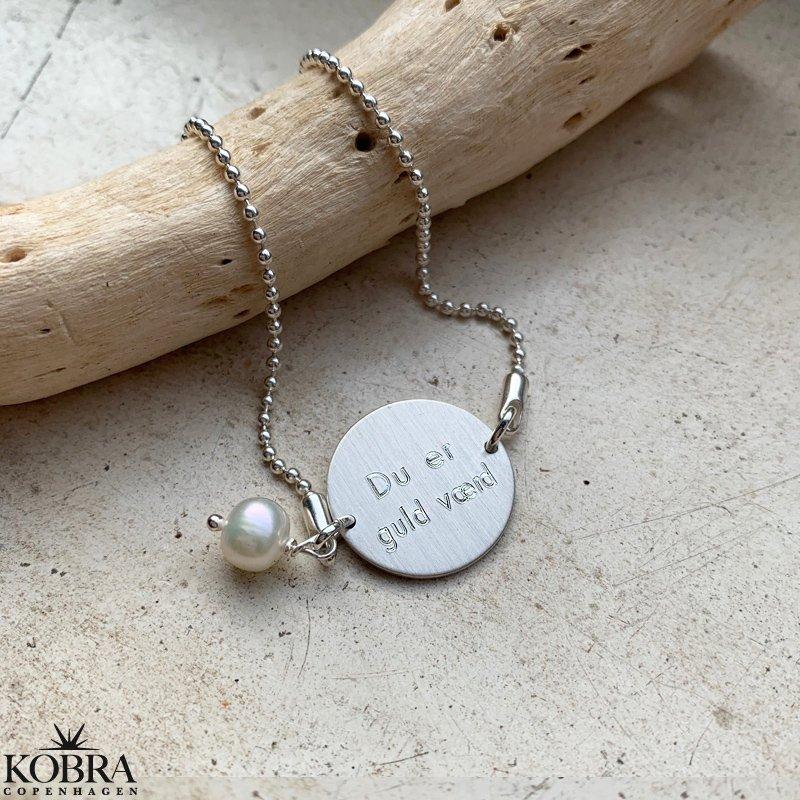 ID Tag, sølv armbånd med ferskvands perle, inklusiv gravering!