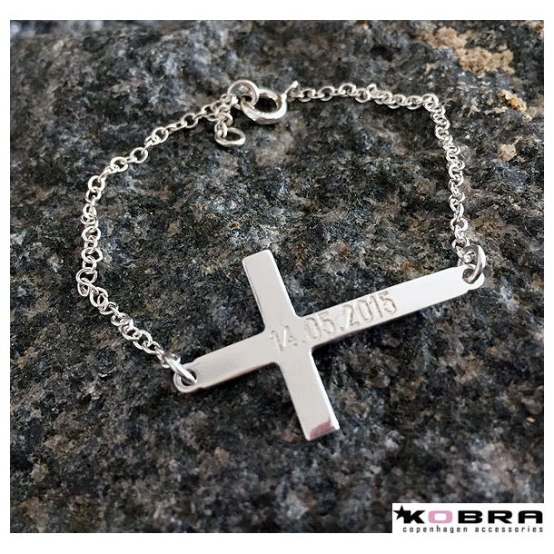 Kors armbånd i sterling sølv inklusiv personlig gravering