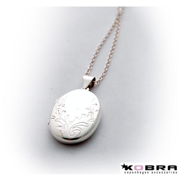 Sølv medaljon med ornament, med personlig gravering