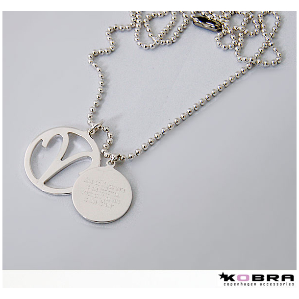 Sølvhalskæde med dit zodiac / stjernetegn og rund charm inklusiv gravering
