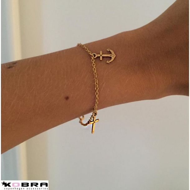 Guld armbånd med Tro Håb og Kærlighed